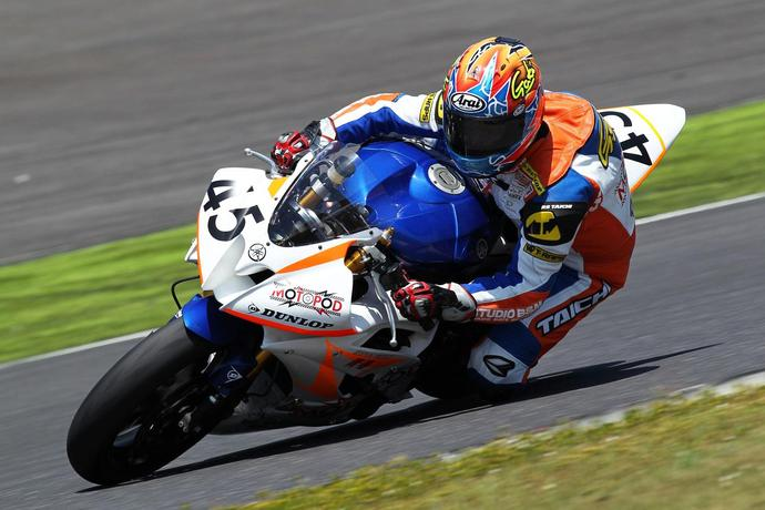 race02.jpg